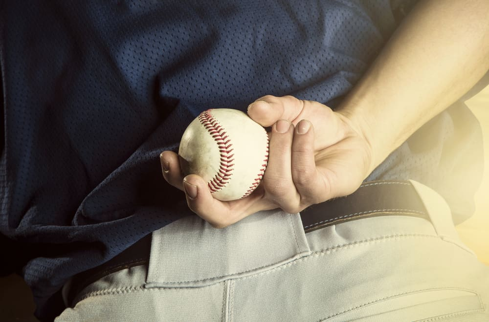 how does pine tar help pitchers